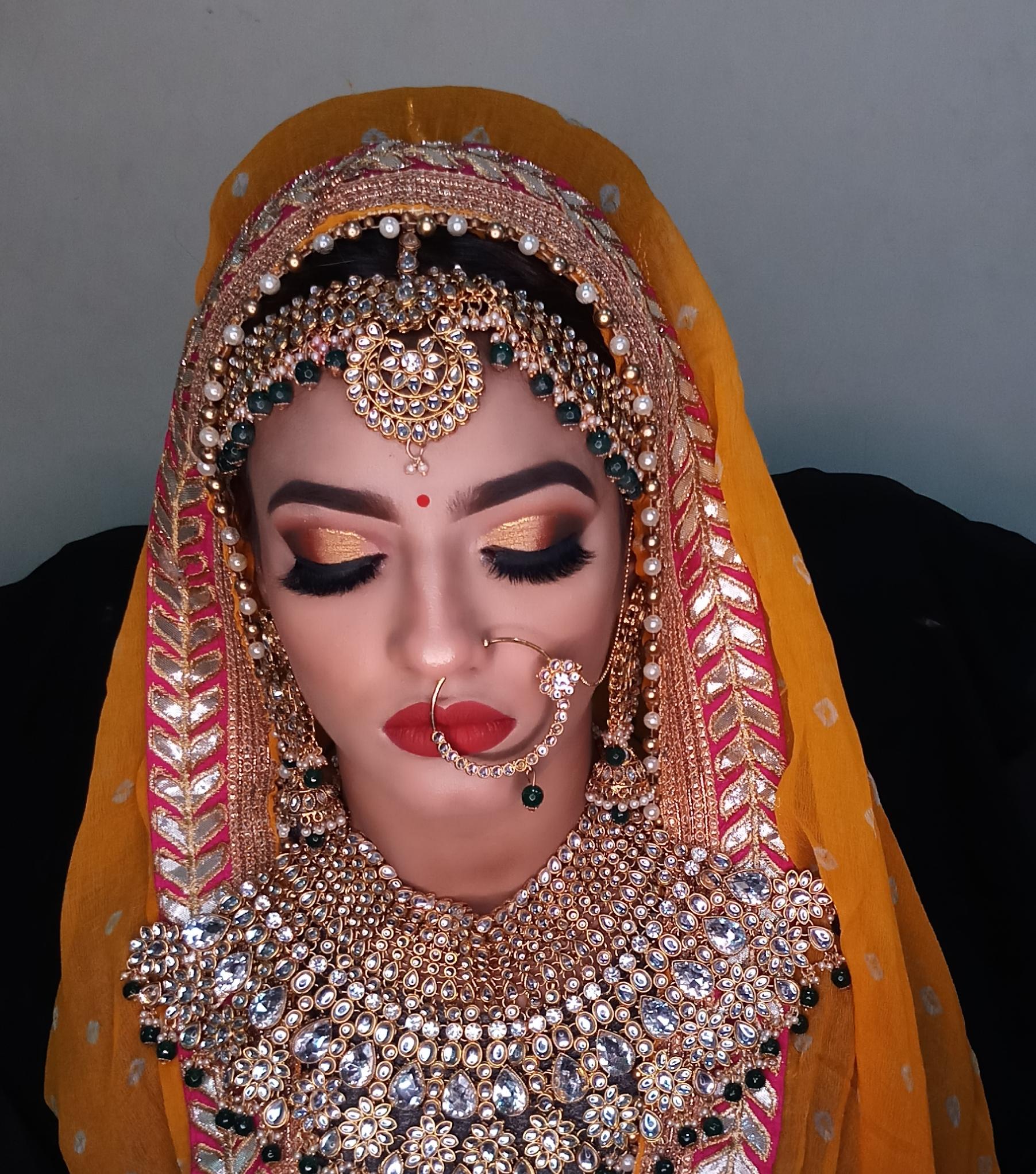 instaura-makeovers-by-puneeta-makeup-artist-delhi-ncr