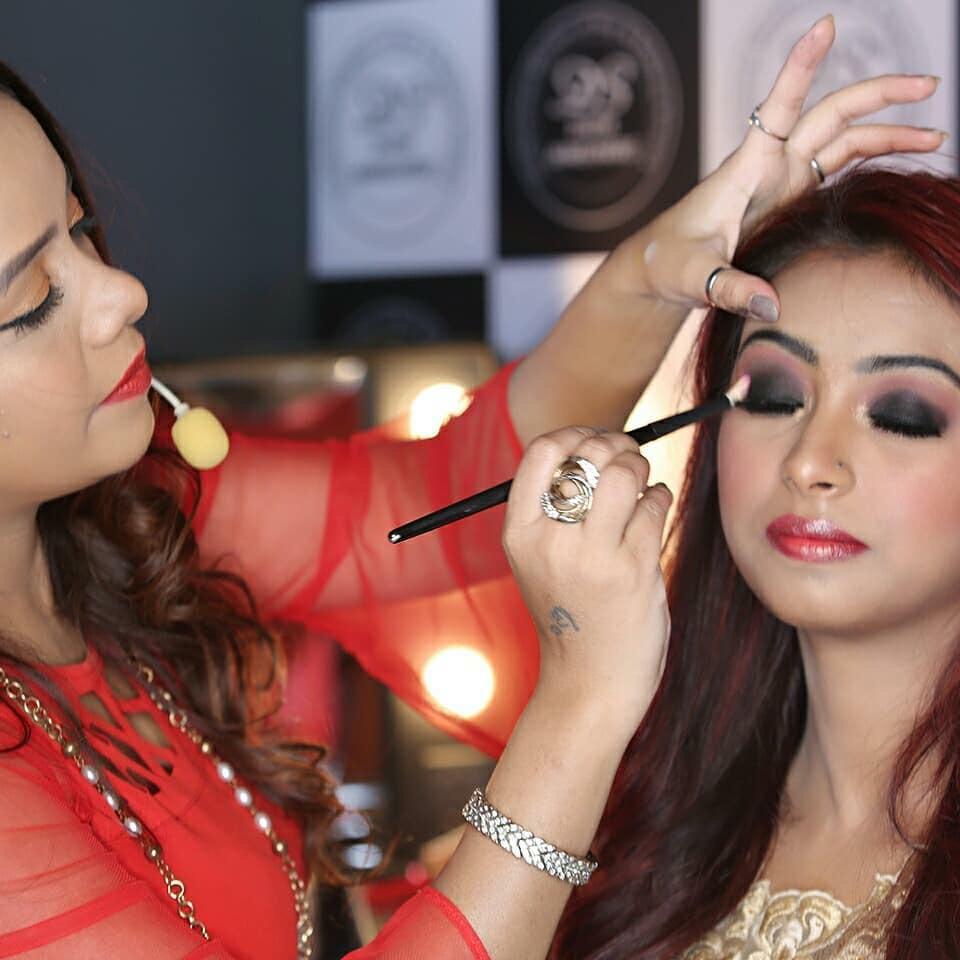 divya-makeup-artist-delhi-ncr-olready