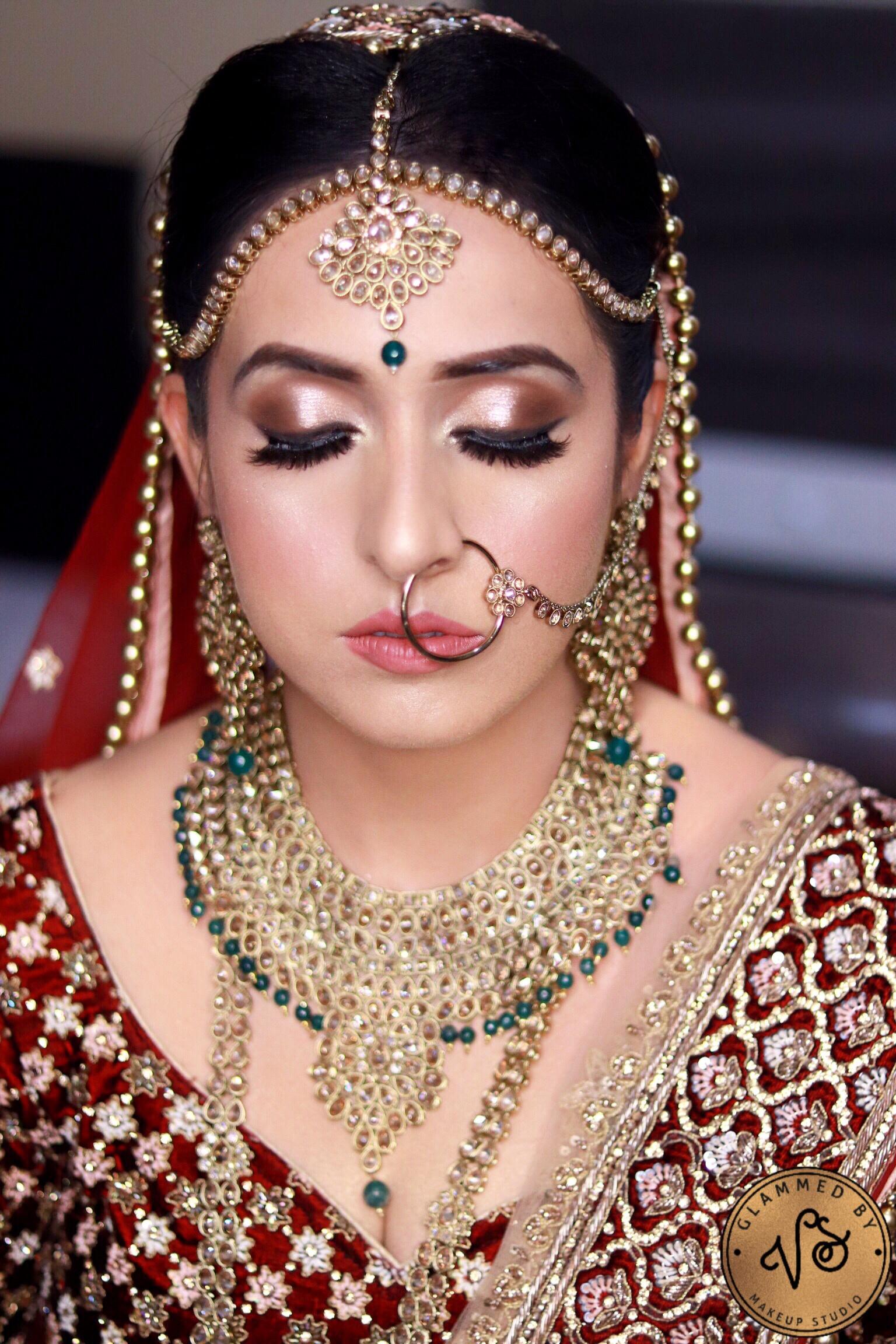 varnika-suryavanshi-makeup-artist-delhi-ncr