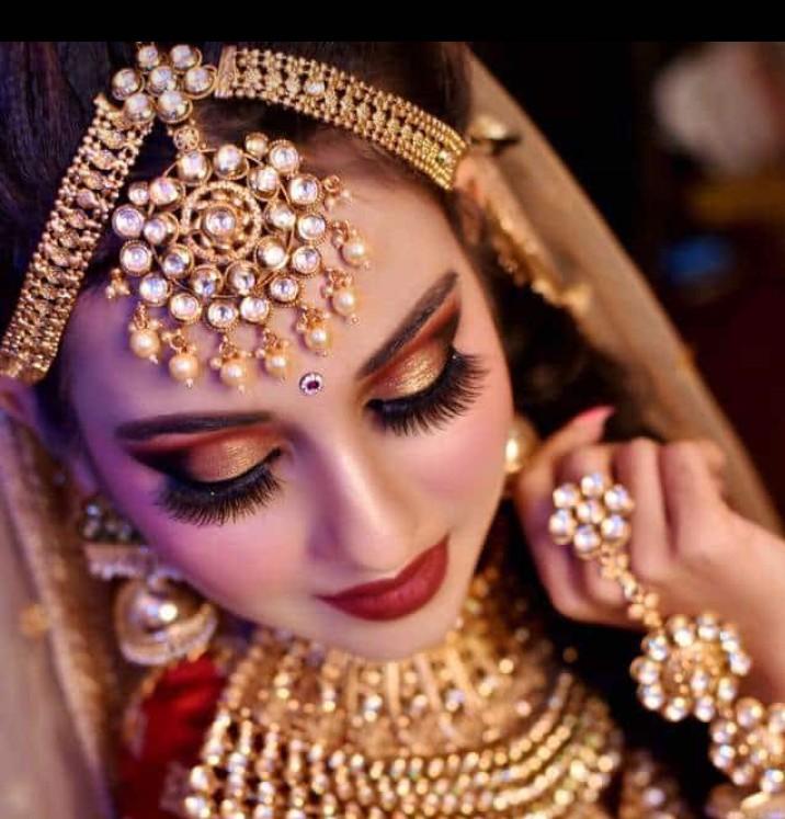 sonam-gupta-makeup-artist-mumbai