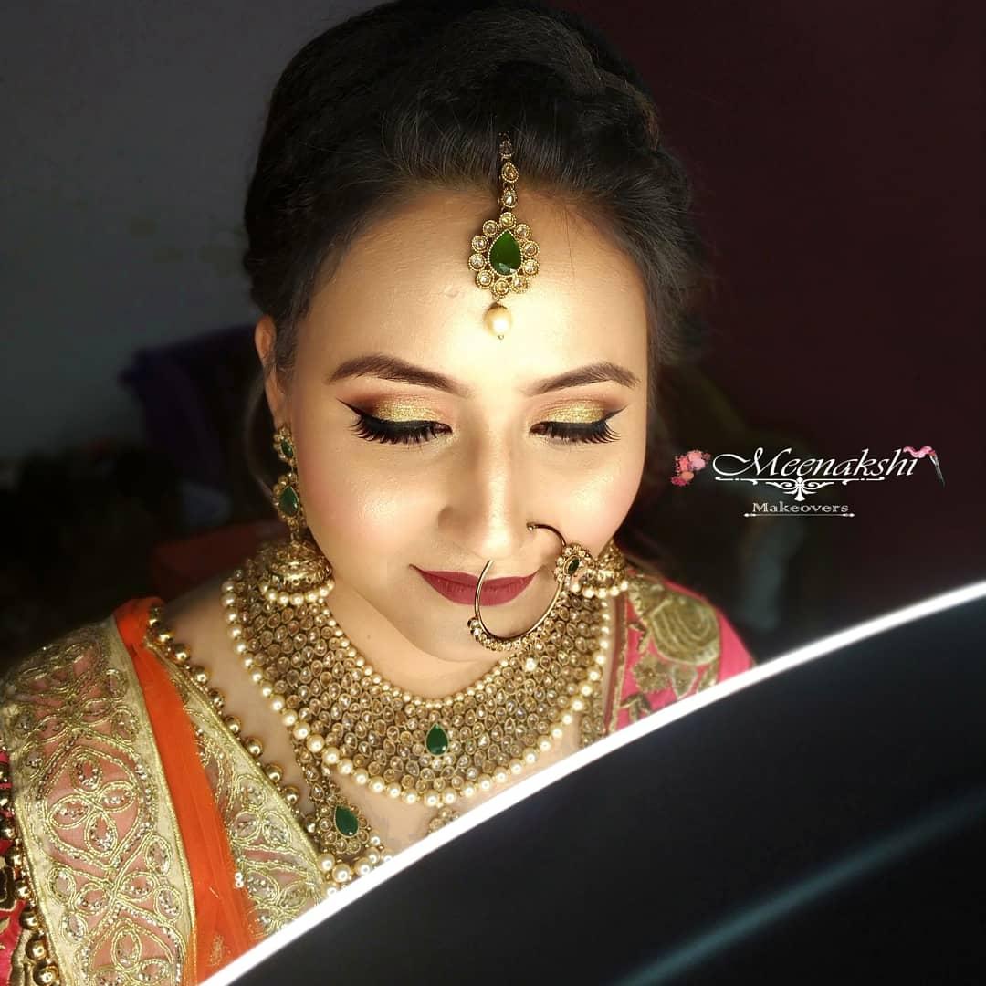 meenakshi-makeup-artist-delhi-ncr
