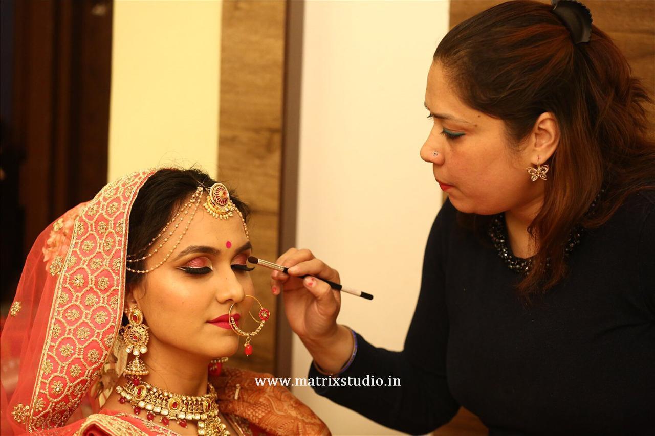 sapna-verma-makeup-artist-jaipur