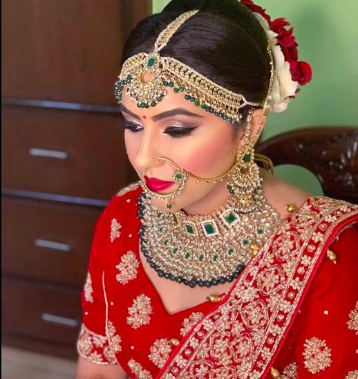 gunjan-dipak-makeovers-makeup-artist-delhi-ncr