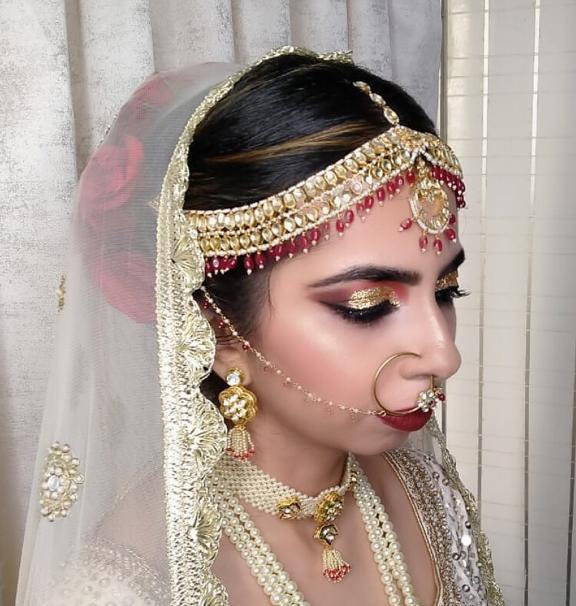 salwa-malim-makeup-artist-mumbai