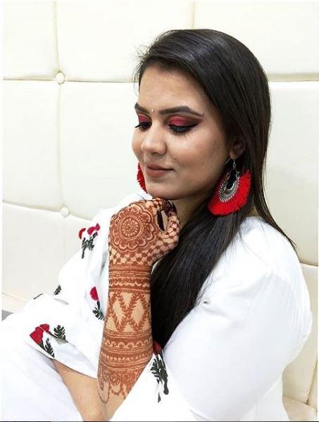 anuj-sharma-makeup-artist-indore