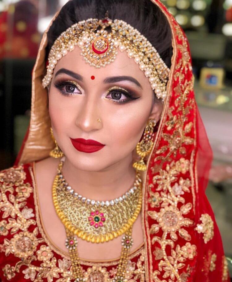sakshi-choudhary-makeup-artist-indore