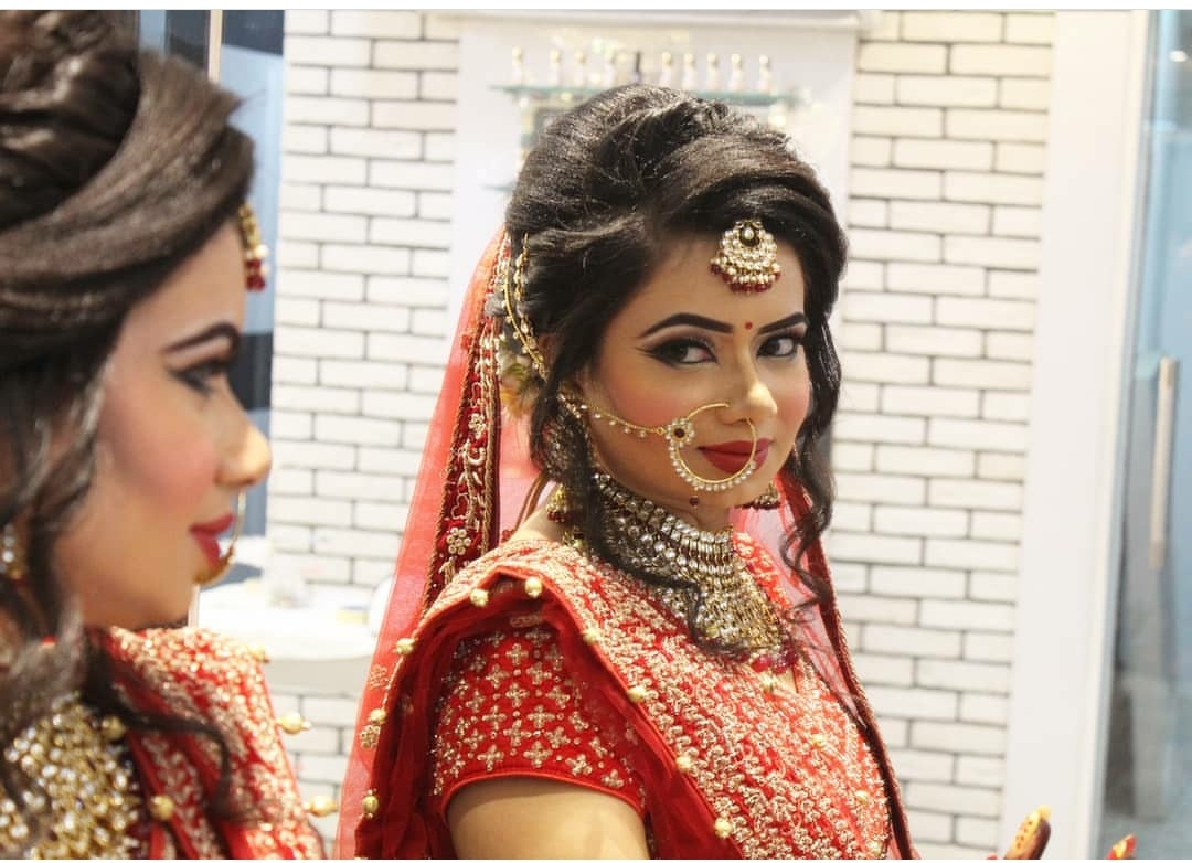 new-aura-salon-makeup-artist-delhi-ncr
