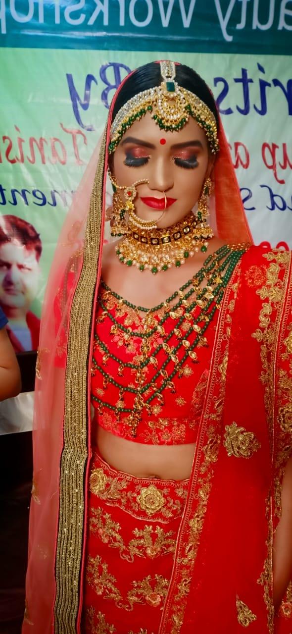 tanisha-tiwari-makeup-artist-lucknow