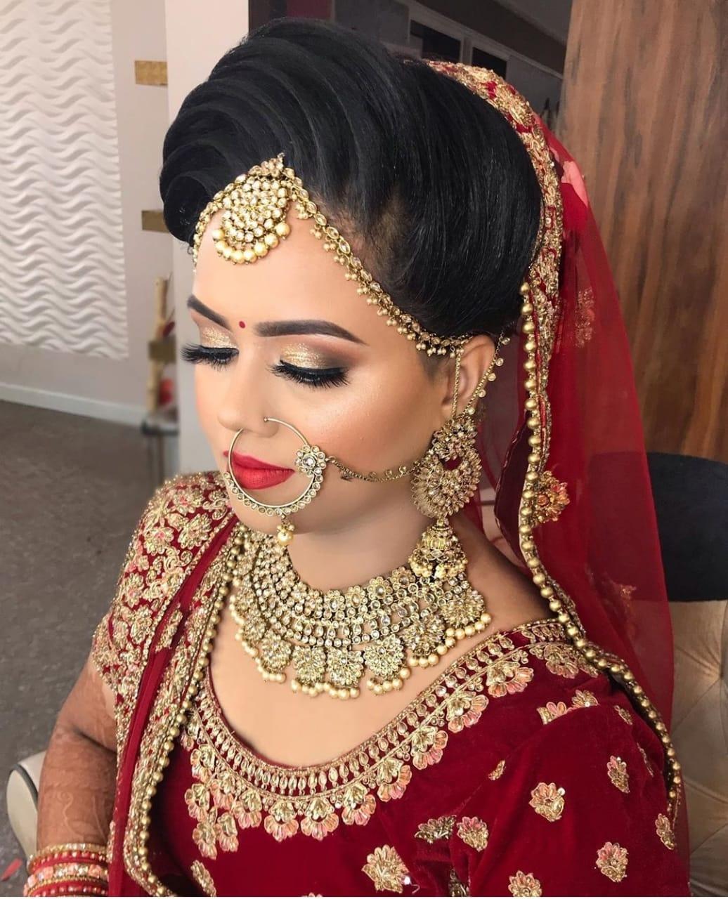 aparna-guryani-makeup-artist-agra