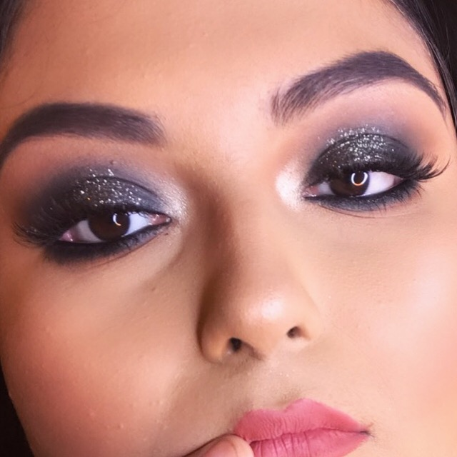 ayesha-khan-makeup-artist-hyderabad-olready