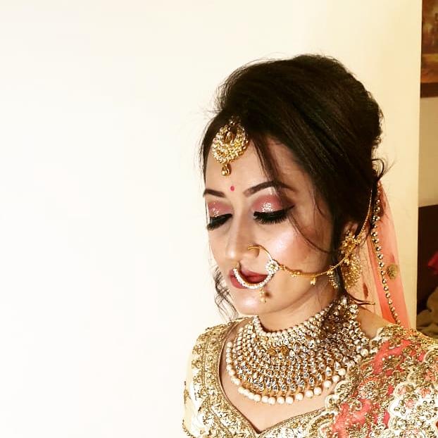 priya-dhawan-makeup-artist-indore