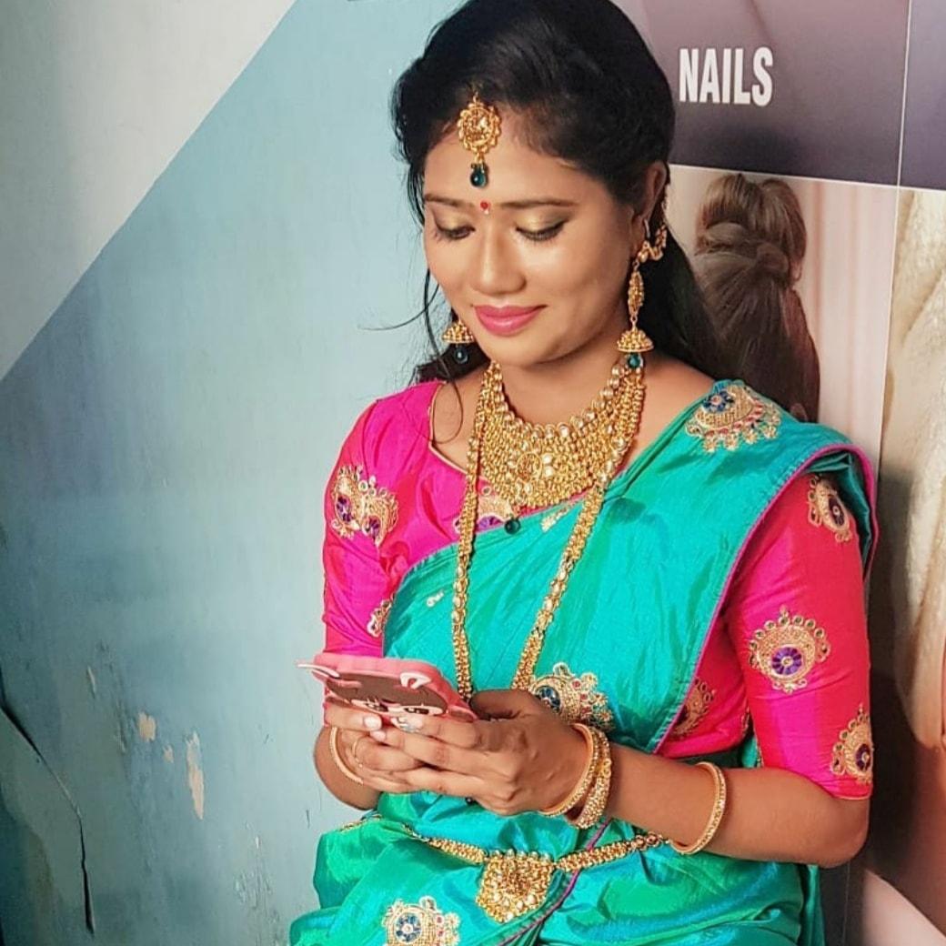 ramya-mohan-makeup-artist-chennai