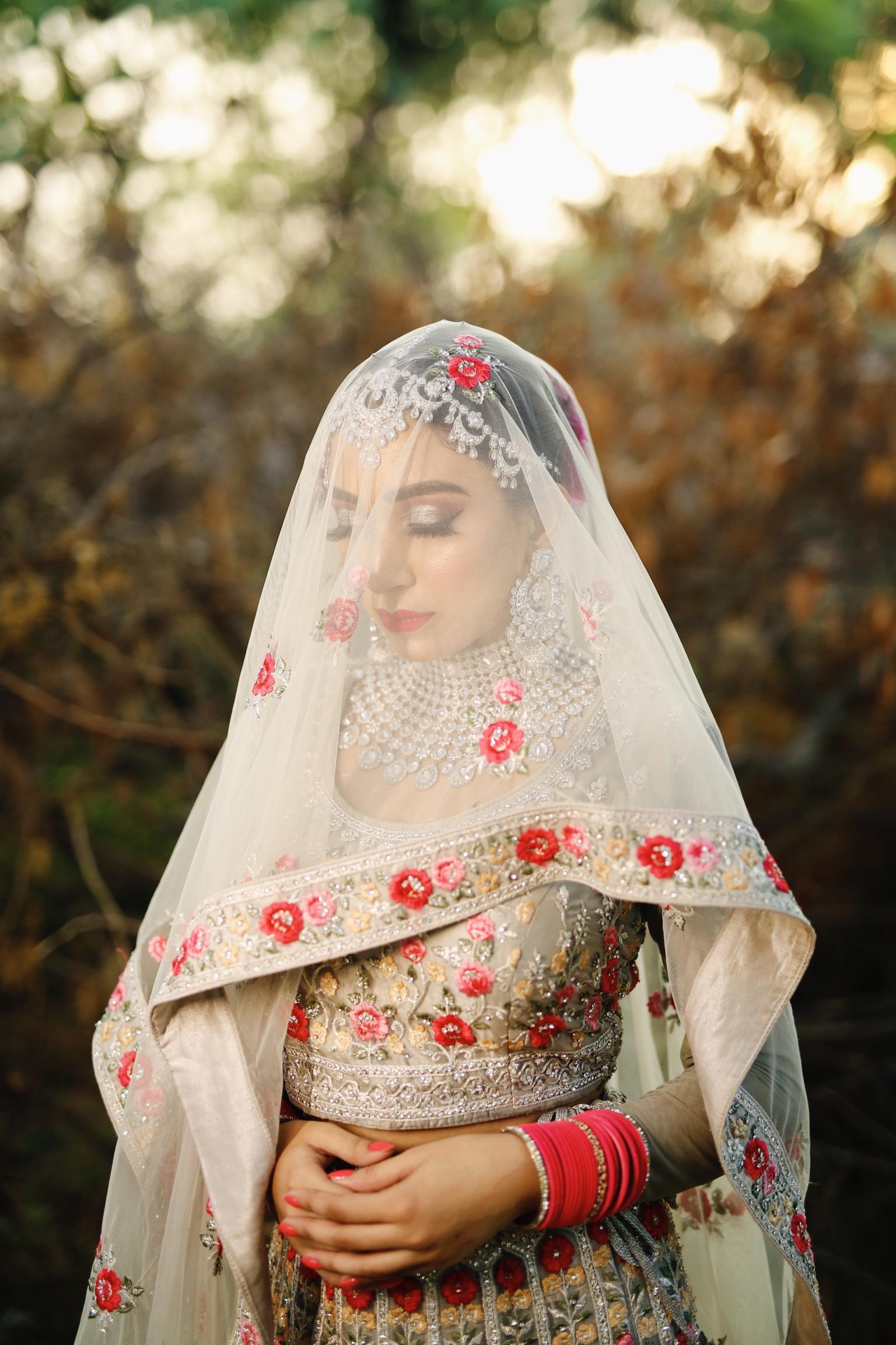 paramjeet-kaur-makeup-artist-delhi-ncr