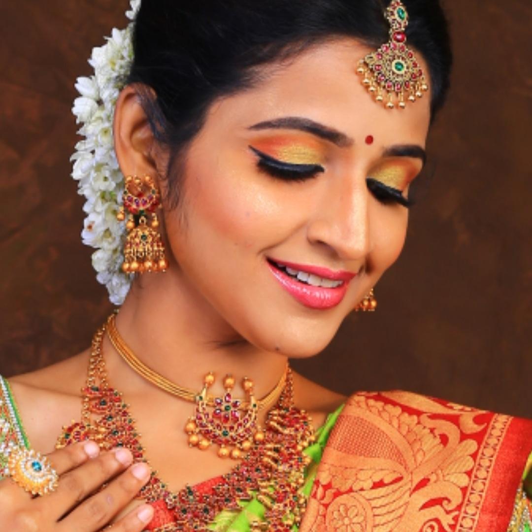 sujitha-govindraj-makeup-artist-chennai