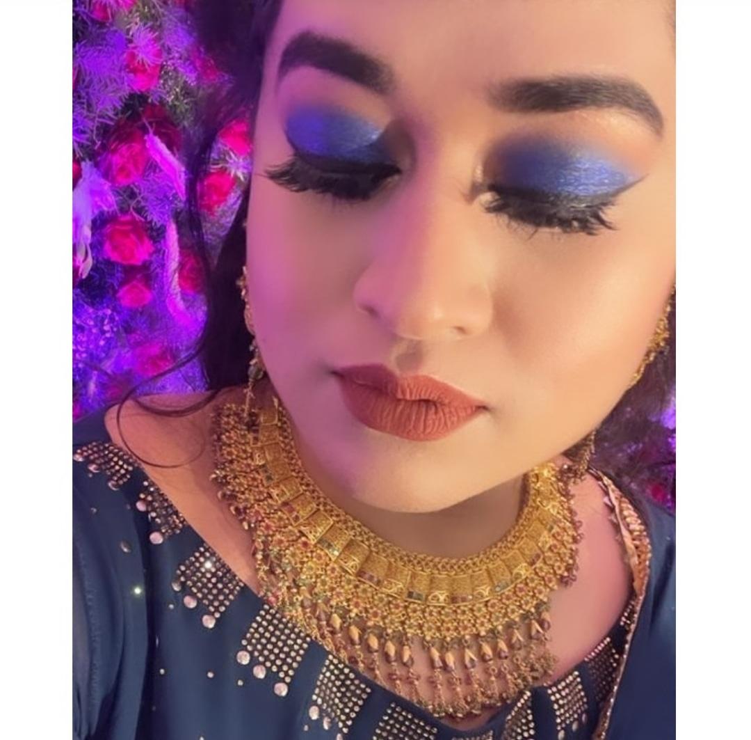 sarah-khanum-makeup-artist-bangalore