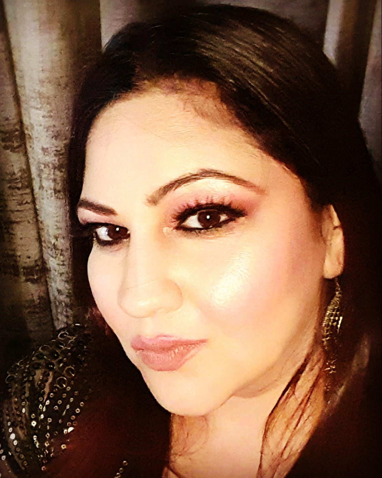 mansy-shourey-makeup-artist-delhi-ncr
