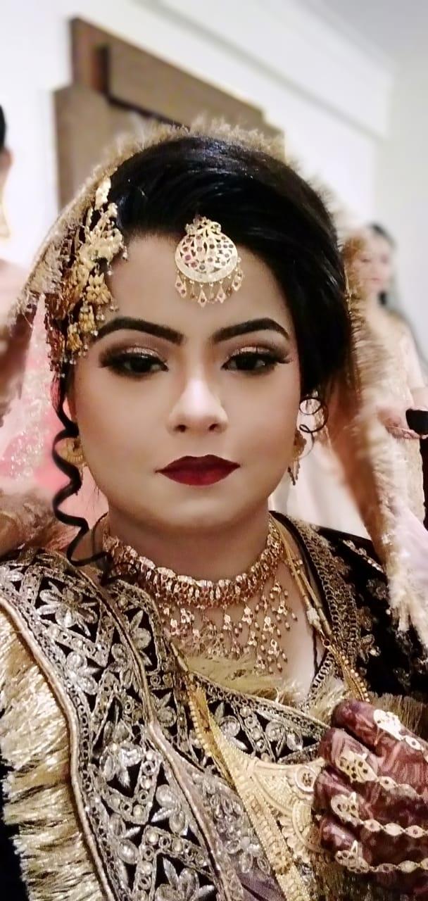 aanad-dixit-makeovers-makeup-artist-agra